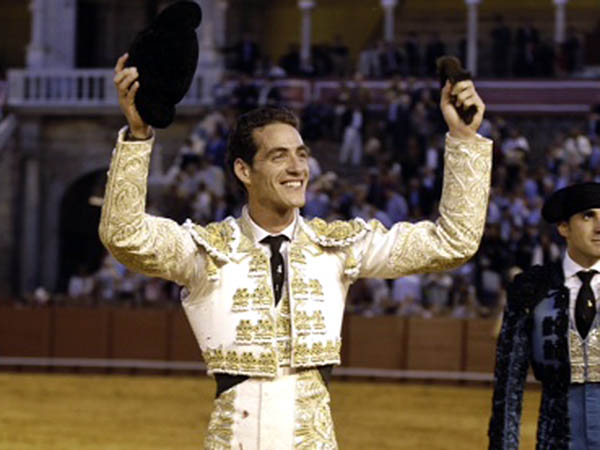 Pepe Moral corta la �nica oreja en Sevilla