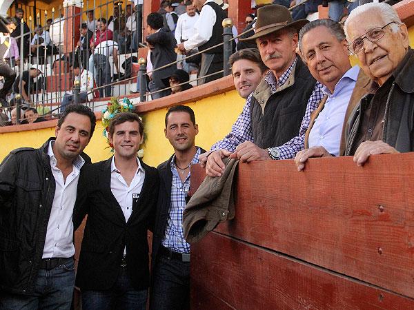 Silveti y Roca Rey, a hombros en Tlaxcala