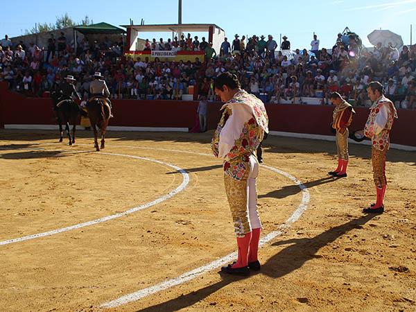 El Payo sale a hombros en Arenas de San Juan