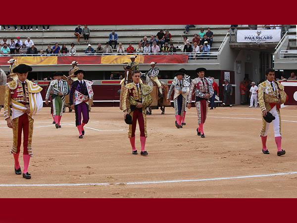Leo Valadez sale a hombros en Istres