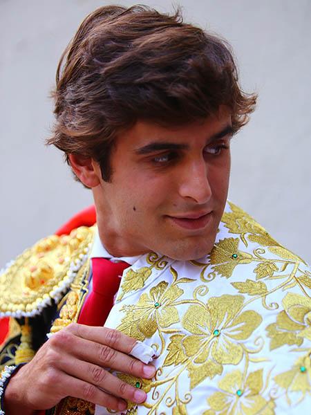 �Luis David Adame revienta Pamplona!