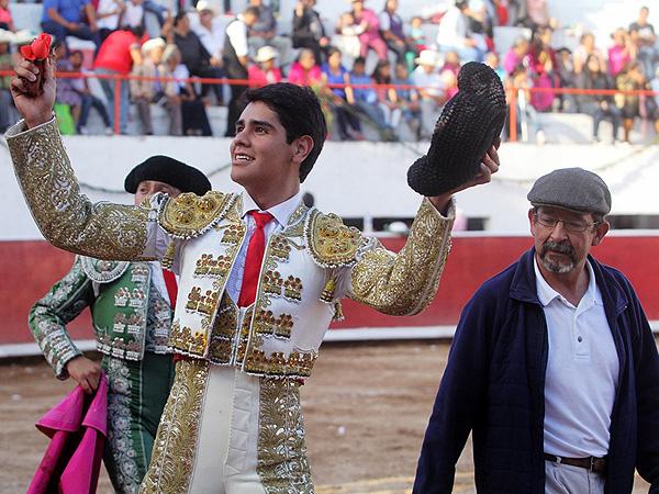 Oreja en Caxuxi para Luis Manuel Castellanos