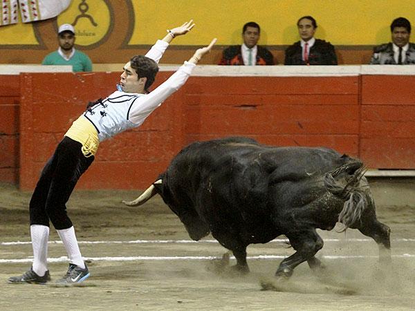 Arturo Sald�var sale a hombros en Huamantla